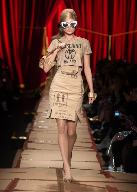 T-Shirt: Cult – Culture – Subversion Moschino